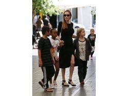 Анджелина джоли и дети фото