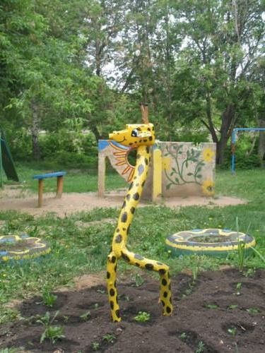Жираф поделки на участок