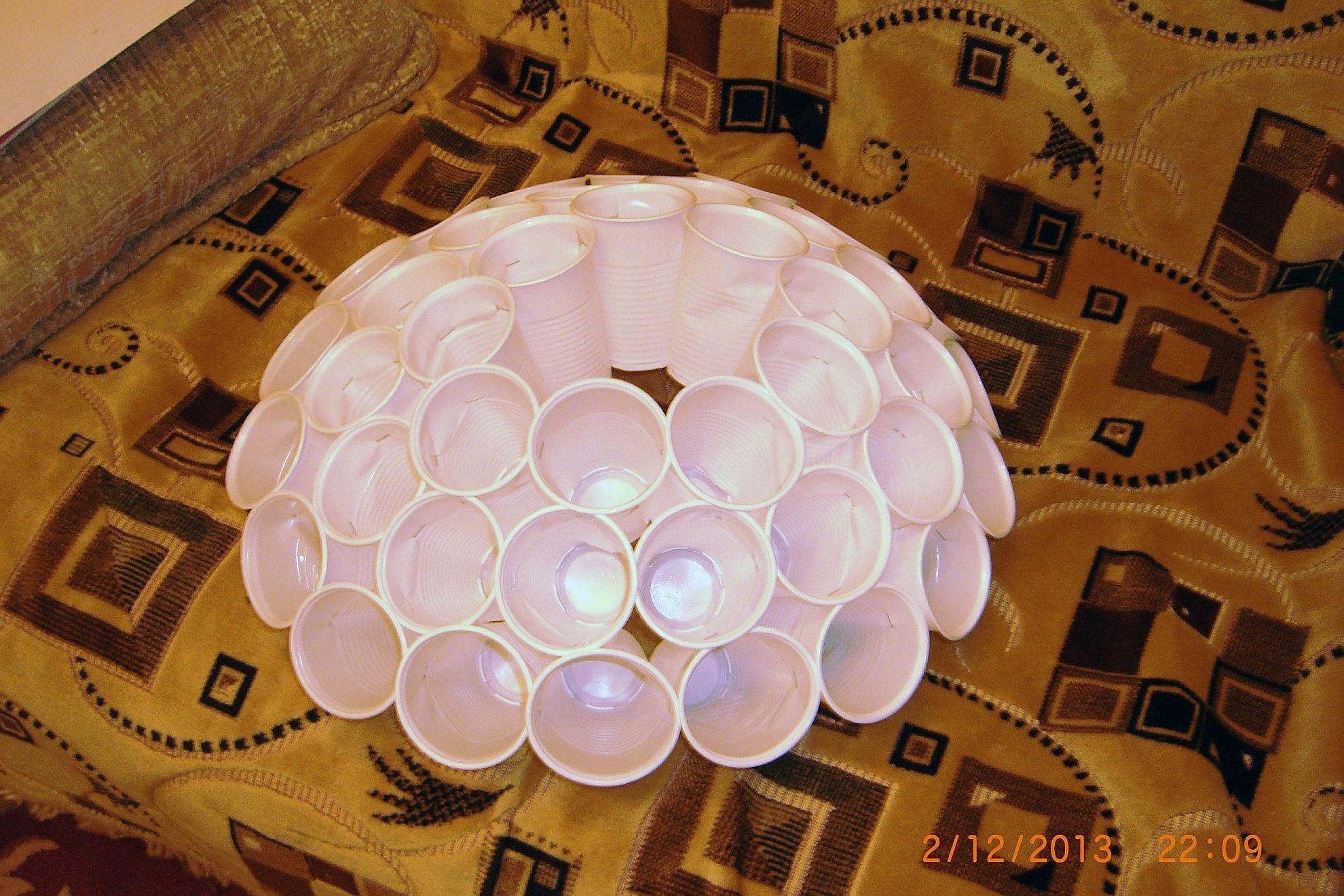 Поделки из одноразовых стаканов своими руками фото
