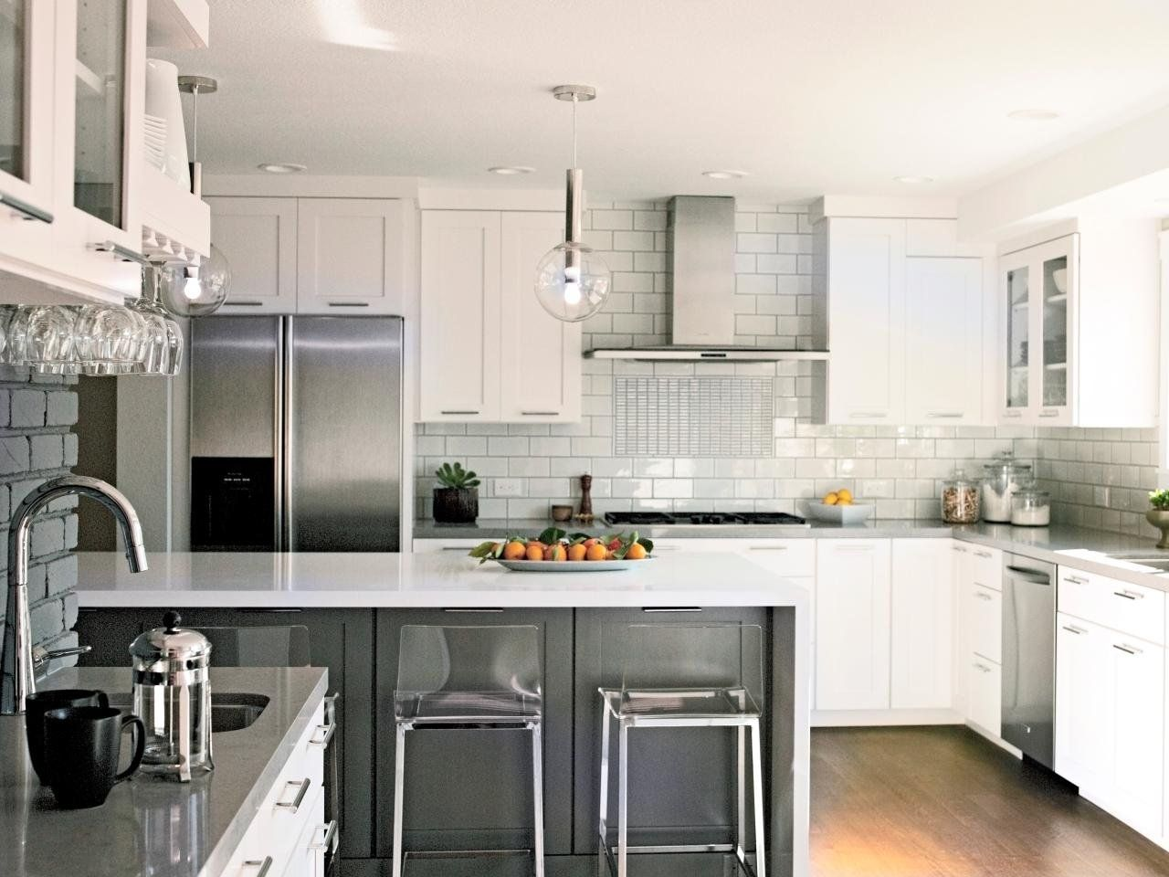Дизайн белый фартук на кухне