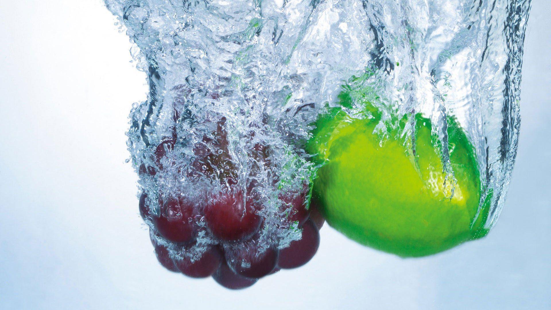картинки водой красивые фрукты с