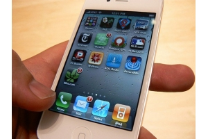 Белый айфон 4