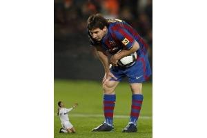 Роналдо и месси фото