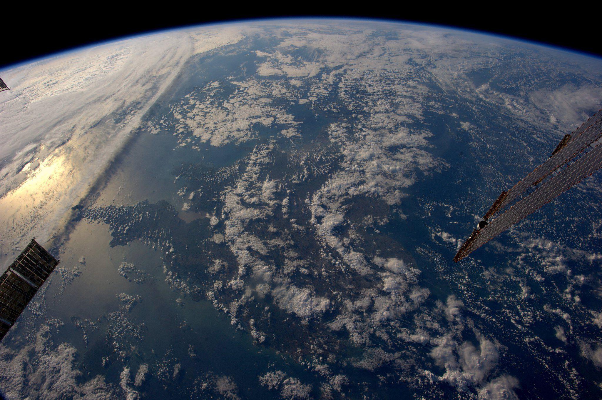 интересные фото земли со спутника пожалуй, одно самых