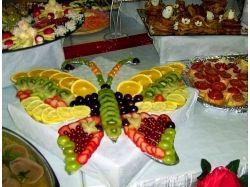 Сервировка стола на детский день рожденье, красиво нарезанные фрукты фото