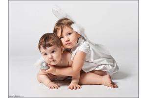 Целуются дети 2