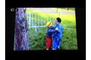 Целуются дети 5