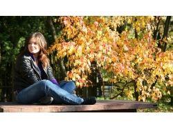 Креативные фотографии девушек осенью 7