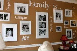 Как красиво оформить стену фотографиями 2