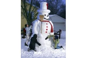 Снеговик из снега фото 3