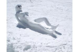 Снеговик из снега фото 8