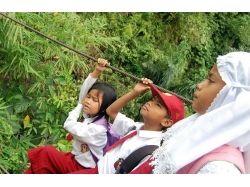 Дети фотомодели в школьной форме