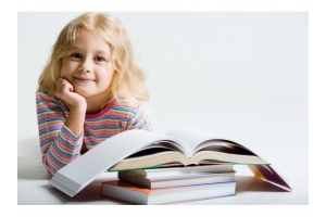 Дети читают картинки