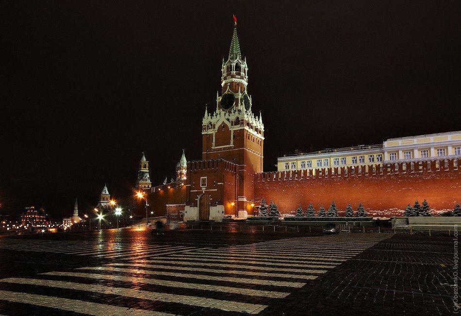 фото ночного кремля в москве вот кем самбурская