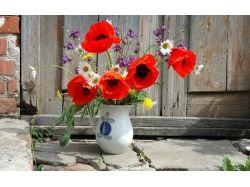 Цветы в вазе фото