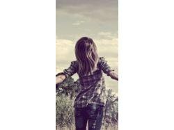 Картинки красивых девушек брюнеток со спины на аву 1