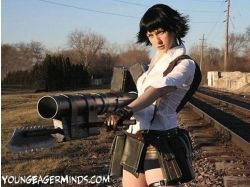 Картинки девушки с оружием