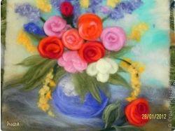Нарисованная ваза с цветами