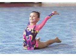 Прически для художественной гимнастики фото