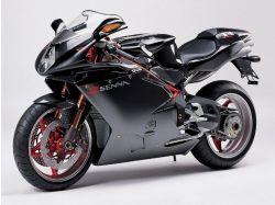 Спортивный мотоцикл фото