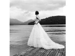 Фото девушек в свадебном платье со спины