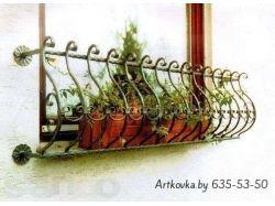 Кованые цветочницы на окна 4