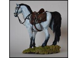 Лошади из глины