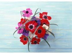 Цветы на столе фото