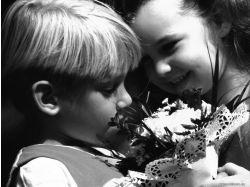 Фото детей с цветами