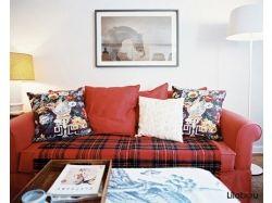 Красный диван в интерьере фото