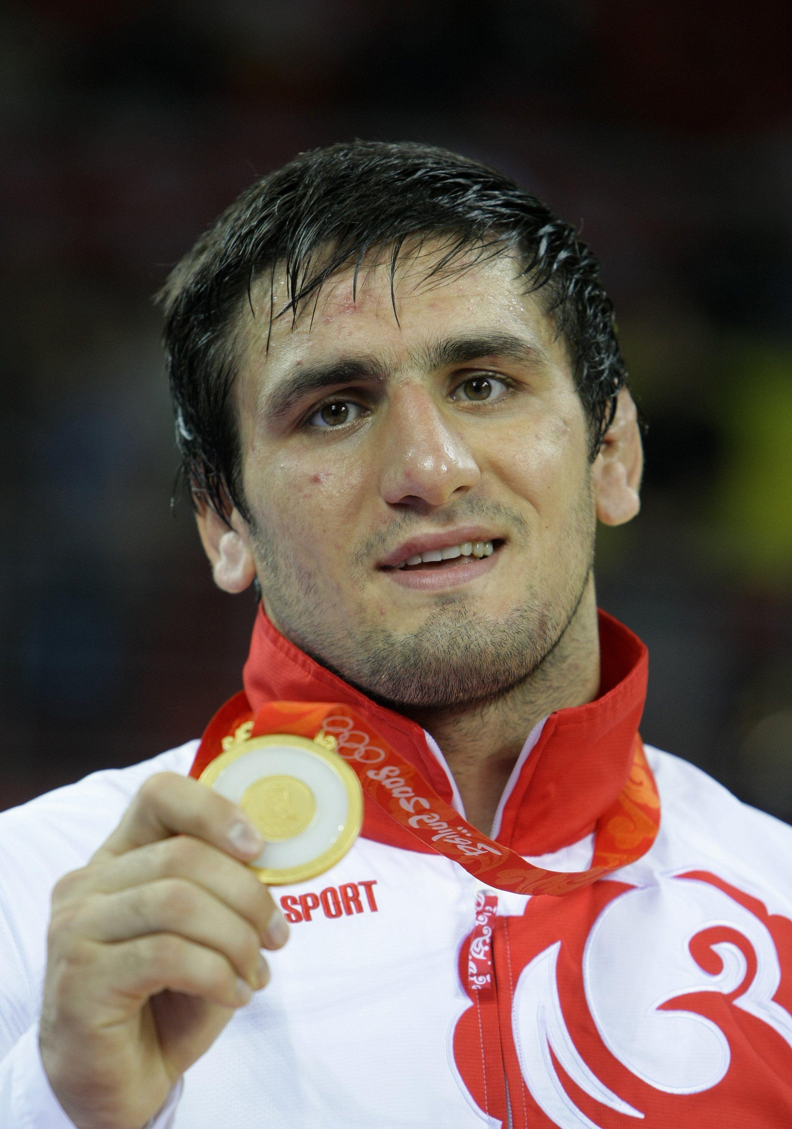 ещё список олимпийских чемпионов по борьбе можно заразиться