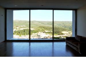 Проекты домов с окнами до пола
