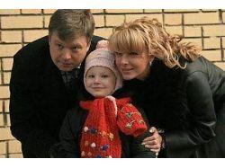 Ведущий синкевич жена дети фото