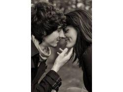 Картинки девушка и парень целуются