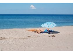 Знаменитости фото девушки на пляже
