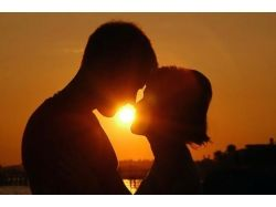 Поцелуи романтика картинки 2