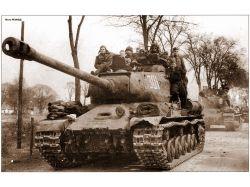 Памятники-танки фото 3