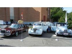 Выставка ретро автомобилей  в луганске